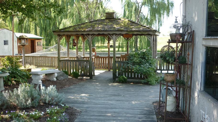 dřevěný altánek