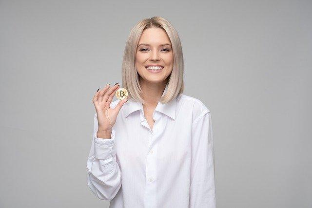 slečna s Bitcoinem
