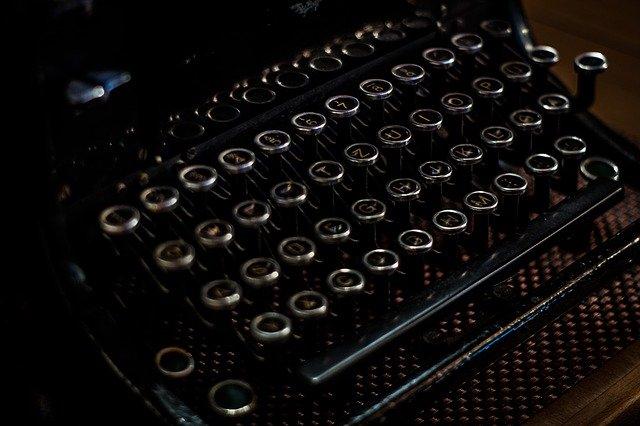 klávesnice psacího stroje