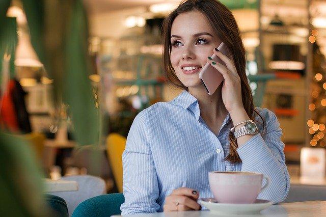 volající žena