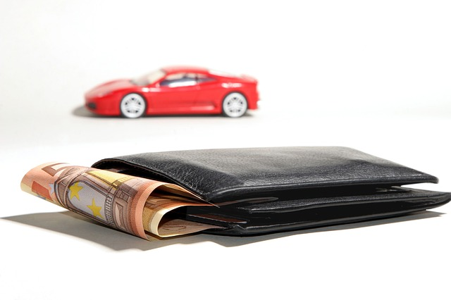 Za peníze auto